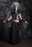 Άτομο στα σκοτεινά ενδύματα, daemon Στοκ Φωτογραφίες