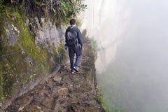 Άτομο στη γέφυρα Inca στοκ φωτογραφία με δικαίωμα ελεύθερης χρήσης