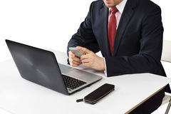 Άτομο στη συνεδρίαση κοστουμιών με το lap-top Στοκ εικόνα με δικαίωμα ελεύθερης χρήσης