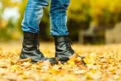 Άτομο στις μαύρες μπότες Στοκ φωτογραφίες με δικαίωμα ελεύθερης χρήσης