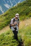 Άτομο στο βουνό Pirin στοκ φωτογραφία