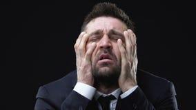 Άτομο στο κεφάλι και την κραυγή εκμετάλλευσης κοστουμιών, προβλήματα σχιζοφρένιας, διανοητηκή διαταραχή απόθεμα βίντεο