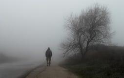 Άτομο στο δρόμο στοκ εικόνα με δικαίωμα ελεύθερης χρήσης
