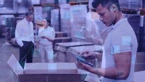 Άτομο σύνθεσης αποθηκών εμπορευμάτων που εργάζεται σε μια αποθήκη εμπορευμάτων που συνδυάζεται με τα ζωντανεψοντα εικονίδια απόθεμα βίντεο