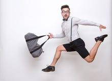 Άτομο Hipster που πηδά στο στούντιο φωτογραφιών Στοκ φωτογραφία με δικαίωμα ελεύθερης χρήσης