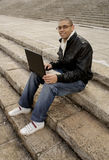 άτομο lap-top Στοκ Φωτογραφίες