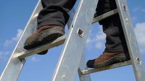 άτομο stepladder Στοκ εικόνα με δικαίωμα ελεύθερης χρήσης