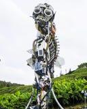 Άτομο WEEE, ρομπότ που γίνεται από την ανακυκλωμένη ηλεκτρονική στοκ εικόνες
