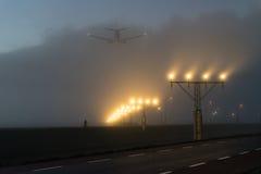Άφιξη ενός αεροπλάνου Στοκ εικόνες με δικαίωμα ελεύθερης χρήσης