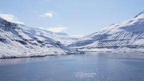 Άφιξη Seydisfjördur στο χιόνι Στοκ Εικόνες