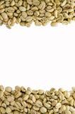 Άψητα φασόλια καφέ, που απομονώνονται στο άσπρο υπόβαθρο Στοκ φωτογραφία με δικαίωμα ελεύθερης χρήσης