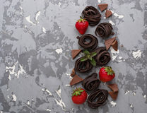Άψητες ζυμαρικά και φράουλα σοκολάτας Στοκ Εικόνα