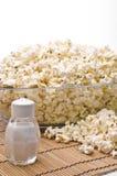 Άλας και popcorn Στοκ φωτογραφία με δικαίωμα ελεύθερης χρήσης