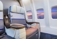 Άδειες θέσεις σε ένα σύγχρονο αεροπλάνο Στοκ φωτογραφία με δικαίωμα ελεύθερης χρήσης