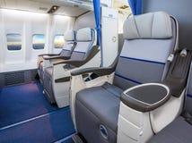Άδειες θέσεις σε ένα σύγχρονο αεροπλάνο Στοκ Φωτογραφία