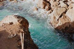 Άλμα βράχου Στοκ φωτογραφία με δικαίωμα ελεύθερης χρήσης