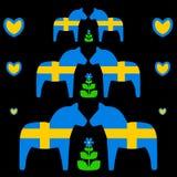 Άλογο Dala με τη σουηδική σημαία Στοκ Εικόνα