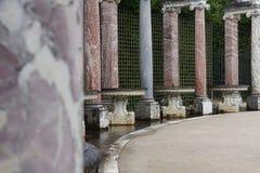 Άλσος κιονοστοιχιών στους κήπους των Βερσαλλιών Στοκ Εικόνα