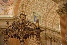 Άδυτο του Cathédrale Marie-Reine-du-Monde Στοκ εικόνες με δικαίωμα ελεύθερης χρήσης