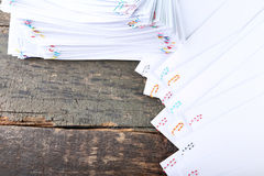 Έγγραφα με τα paperclips Στοκ εικόνες με δικαίωμα ελεύθερης χρήσης