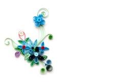 Έγγραφο λουλουδιών Quilling για το άσπρο υπόβαθρο Στοκ Εικόνες