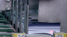 Έγγραφο συσκευασίας μετά από την κοπή απόθεμα βίντεο