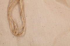 Έγγραφο συσκευασίας με το σχοινί Στοκ εικόνα με δικαίωμα ελεύθερης χρήσης