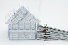 Έγγραφο υπερφόρτωσης σπιτιών και σωρών Στοκ φωτογραφία με δικαίωμα ελεύθερης χρήσης