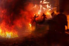 Έγερση των ανθρώπων ενάντια στις δυνάμεις Στοκ Εικόνες