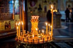 Έγκαυμα κεριών στην εκκλησία Στοκ φωτογραφία με δικαίωμα ελεύθερης χρήσης