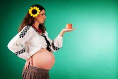 έγκυος γυναίκα ηλίανθων εικόνας Στοκ εικόνες με δικαίωμα ελεύθερης χρήσης
