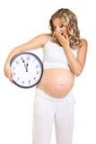 Έγκυος γυναίκα που απομονώνεται στο λευκό στοκ εικόνες