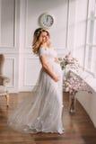 έγκυος όμορφη γυναίκα Στοκ φωτογραφία με δικαίωμα ελεύθερης χρήσης