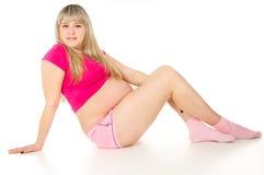 Έγκυο κορίτσι φωτεινό να βρεθεί πουκάμισων Στοκ Εικόνα
