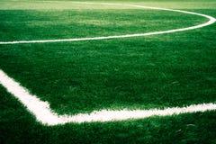 Έδαφος παιχνιδιού ποδοσφαίρου που πυροβολείται για τα κοινωνικά μέσα που εμπορεύονται και που διαφημίζουν στοκ φωτογραφία