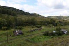 Έδαφος Generalka Altai ορεινών χωριών στη δυτική Σιβηρία r στοκ φωτογραφίες με δικαίωμα ελεύθερης χρήσης