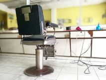 Έδρα κουρέων στην Ταϊλάνδη Εσωτερικό υπόβαθρο θαμπάδων Barbershop Στοκ Εικόνες