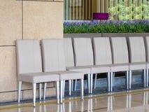 έδρες έξω από τη σειρά εστι&alpha Στοκ Εικόνα