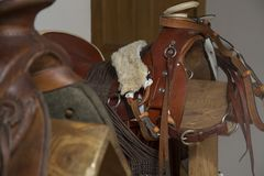 Έδρες για τα άλογα - υποστηρίγματα στοκ εικόνα με δικαίωμα ελεύθερης χρήσης
