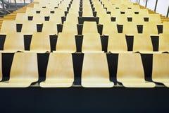 έδρες ξύλινες Στοκ φωτογραφία με δικαίωμα ελεύθερης χρήσης