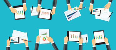 Έκθεση επιχειρησιακών αναλυτική γραφικών παραστάσεων ομάδας προγραμματισμός εμπορικής επένδυσης Στοκ Εικόνες
