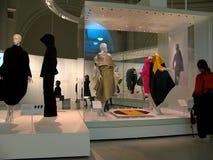 Έκθεση ιστορίας μόδας σε Βικτώρια και Αλβέρτο Museum στο Λονδίνο Στοκ φωτογραφία με δικαίωμα ελεύθερης χρήσης