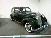 Έκθεση σε Corferias Η αίθουσα εκθεμάτων αυτοκινήτων γνωστή επίσης ως σαλόνι del automovil ` ` όπου οι επισκέπτες βλέπουν Στοκ Εικόνα