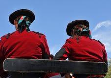 Έκθεση της Σεβίλης, δύο άτομα με το καπέλο σε μια μεταφορά αλόγων στοκ φωτογραφίες