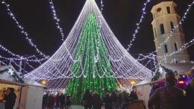 Έκθεση Χριστουγέννων και χριστουγεννιάτικο δέντρο στο τετράγωνο καθεδρικών ναών, το Δεκέμβριο του 2016 απόθεμα βίντεο