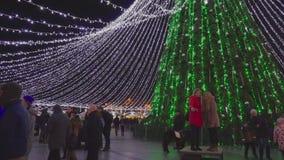 Έκθεση Χριστουγέννων και χριστουγεννιάτικο δέντρο στο τετράγωνο καθεδρικών ναών, το Δεκέμβριο του 2016 φιλμ μικρού μήκους
