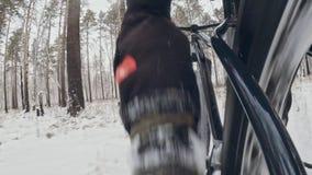 Έκκεντρο δράσης στο πλαίσιο εγκατεστημένο πίσω Pov κινηματογραφήσεων σε πρώτο πλάνο άποψη Επαγγελματικός ακραίος ποδηλάτης αθλητι φιλμ μικρού μήκους