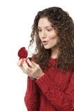Έκπληκτο κορίτσι που ανοίγει το δώρο Στοκ φωτογραφία με δικαίωμα ελεύθερης χρήσης