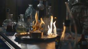 Έκρηξη κατά τη διάρκεια του πειράματος Ανεπιτυχές πείραμα στο χημικό εργαστήριο φιλμ μικρού μήκους