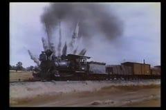Έκρηξη που κινεί πλησίον την ατμομηχανή απόθεμα βίντεο